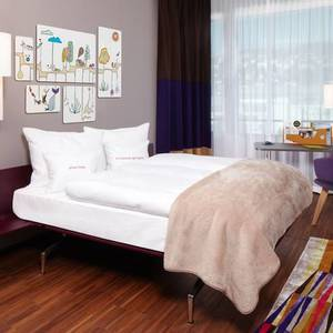 251 8 25hours hotel zuerich west goldzimmer 1