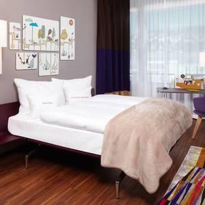 251 8 25hours hotel zuerich west goldzimmer 1